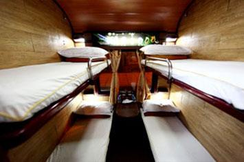 Livitrans Train, 4 bert cabin